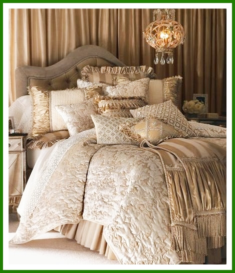 Dormitorios-lujoso-con-muchos-cojines-neiman-marcus-florentine-luxury-linens