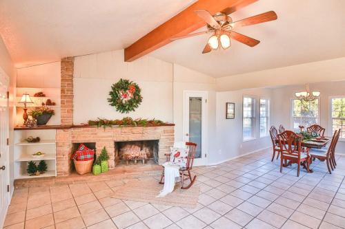 Kimberly House Fireplace No 2 89